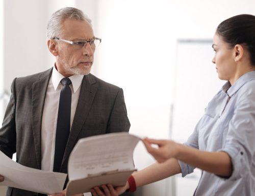 Arbeitsvertragliche Vereinbarung von gleichen Kündigungsfristen für Arbeitnehmer und Arbeitgeber
