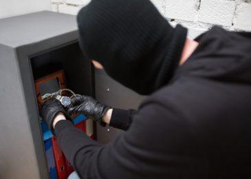 Verdachtskündigung wegen Diebstahl und Verstoß gegen das Geldwäschegesetz
