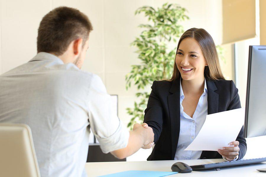 Arbeitsvermittlungsvertrag: Zahlungspflicht des Arbeitnehmers bei Kündigung des Arbeitsvertrages