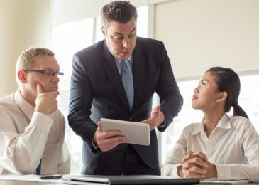 Weisung durch Arbeitgeber – Grenzen des Direktionsrechts – Feststellungsklage des Arbeitnehmers