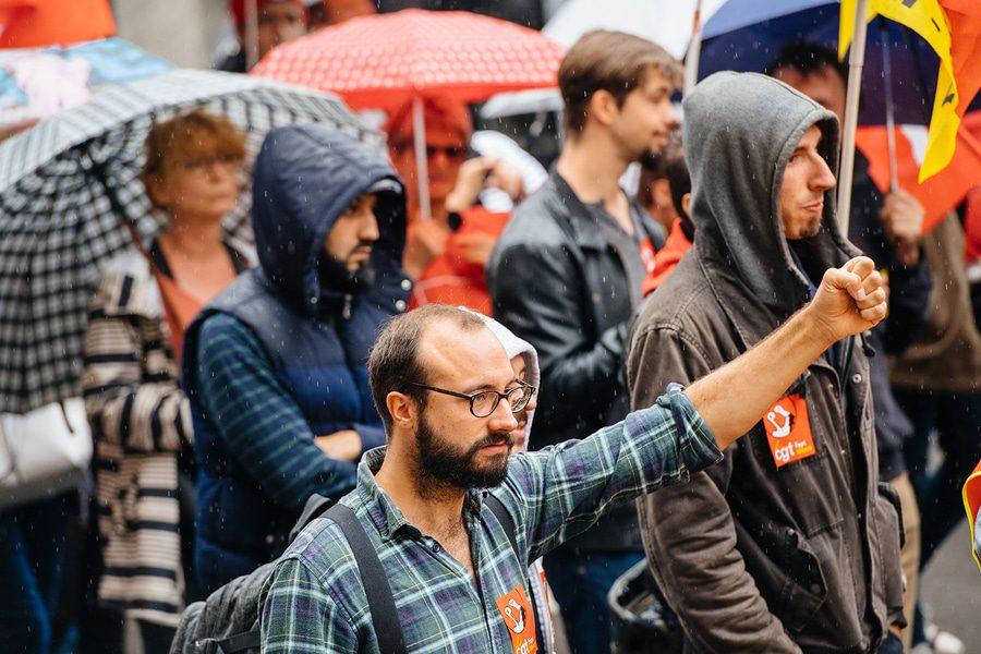 Abmahnung – Entfernungsanspruch bei Teilnahme an einem illegalen Streik