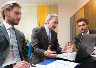 Mitbestimmungsrecht des Betriebsrats für Regelungen zum Ausgleich von Belastungen durch stehende Arbeitstätigkeit