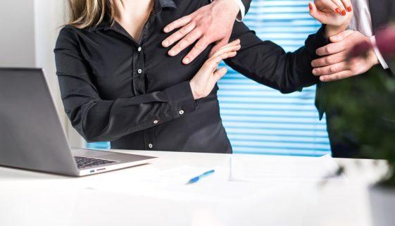 Sexuelle Belästigung - Androhung eines
