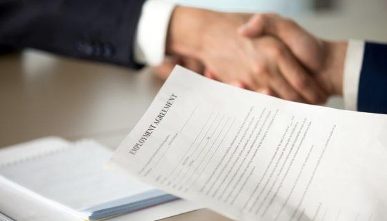 Arbeitsvertragsanpassung bei statischer Verweisung auf Tarifrecht