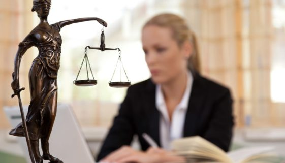 Arbeitsrechtsschutzversicherung – Wann muss diese Deckung erteilen?