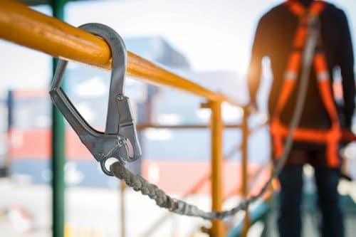 Arbeitsunfall – Haftung des Arbeitsgebers auf Schadensersatz und Schmerzensgeld