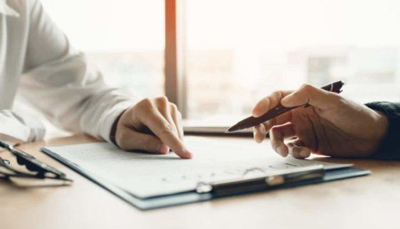 Arbeitsvertrag - sachgrundlose Befristung über 2 Jahre hinaus