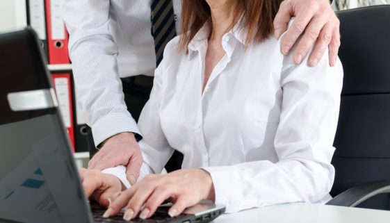 Fristlose Arbeitnehmerkündigung wegen sexueller Belästigung