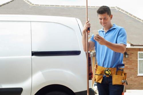 Fristlose Arbeitsvertragskündigung bei Verstoß gegen ein betriebliches Handyverbot