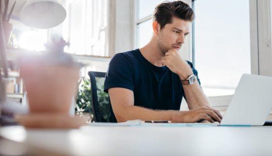 Fristlose Kündigung wegen unerlaubter Internetnutzung während der Arbeitszeit