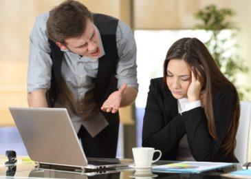 Fristlose Kündigung wegen Beleidigung einer Arbeitskollegin