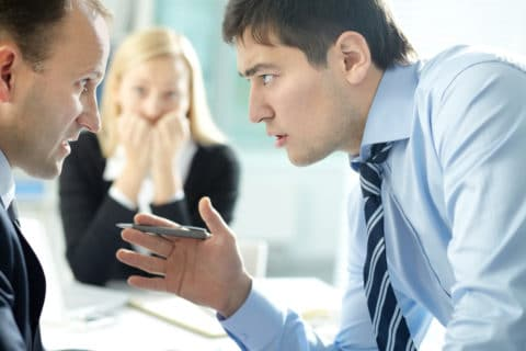 Fristlose Kündigung wegen Tätlichkeit gegenüber einem Arbeitskollegen