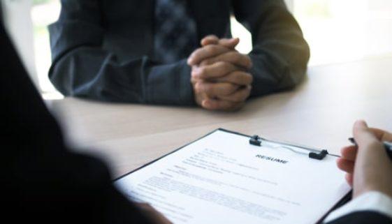 Erteilung eines qualifizierten Zeugnisses - Vergleichsmehrwert und Streitwert