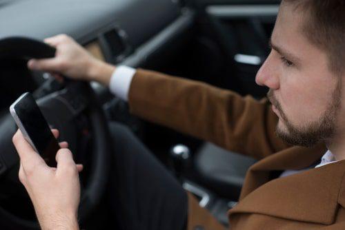 Nutzungsüberlassung eines Firmenwagens für dienstliche Zwecke und Privatfahren