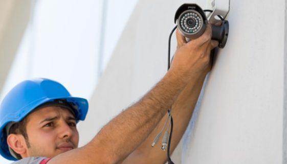 Videoüberwachung im Betrieb – Geldentschädigungsanspruch des Arbeitsnehmers