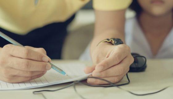 Arbeitnehmereigenschaft nach § 5 Abs 1 BetrVG bei Schülern und Auszubildenden