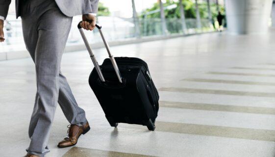 Was gilt bei Dienstreisen bezüglich der Arbeitszeit?