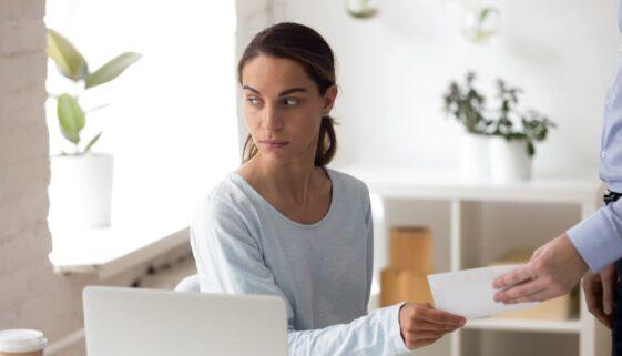 Fristlose Kündigung wegen Unterschlagung – Abmahnung notwendig?