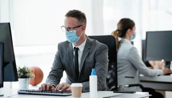 Corona-Pandemie – Beschäftigung eines Arbeitnehmers ohne Mund-Nasen-Bedeckung